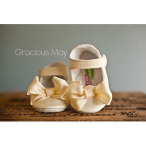 Gracious May Silk Bow Shoe in Ivory