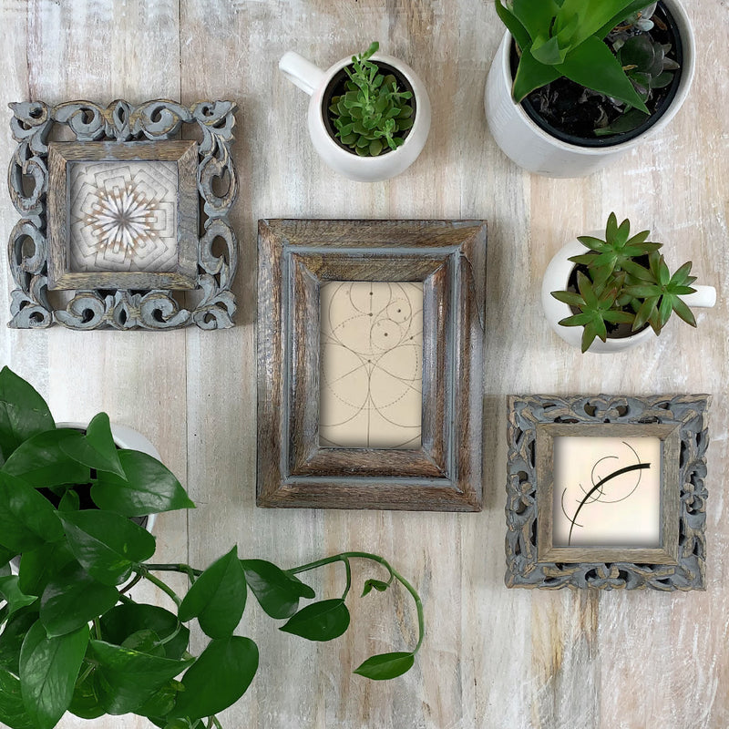 Lily Frame 4x4 in Grey Antique