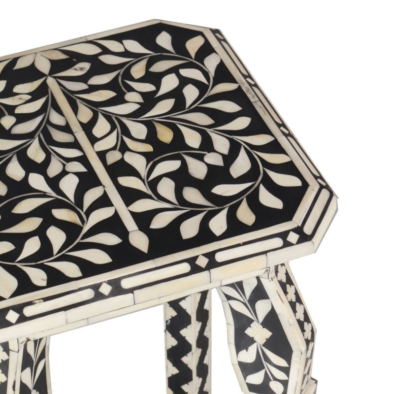 Imperial Beauty Telephone Table with Bone Inlay in Black and White