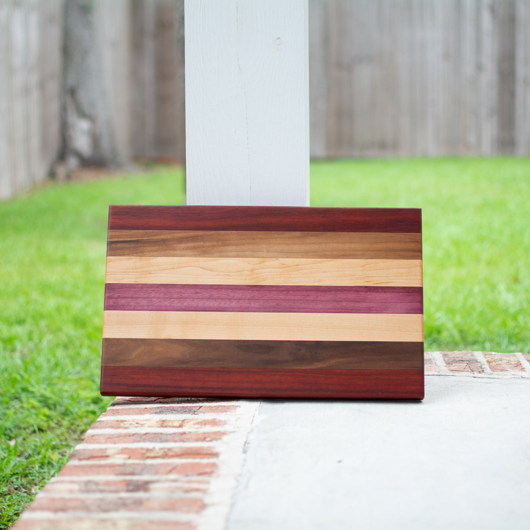 Handcrafted Edge Grain Cutting Board No. 001