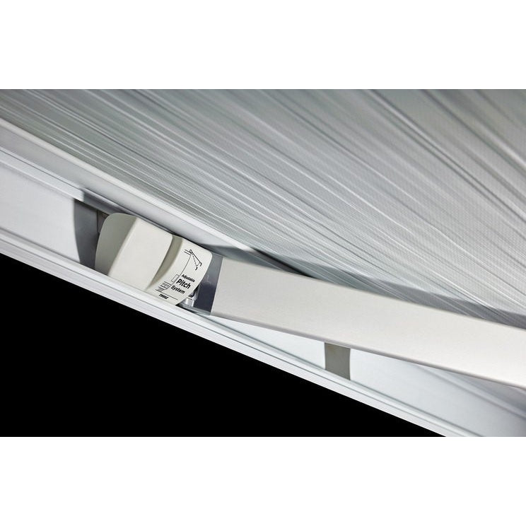 THULE Omnistor 5200 Awning + FREE Storm Strap Kit made by Thule. A Motorhome Awnings sold by Quality Caravan Awnings