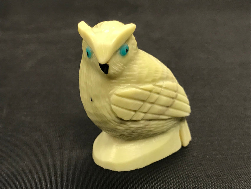 Zuni Animal Fetish Owl Carved from Serpentine by Edison Bobelu