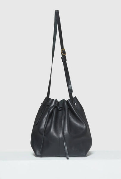 Big bucket bag in black leather with strap