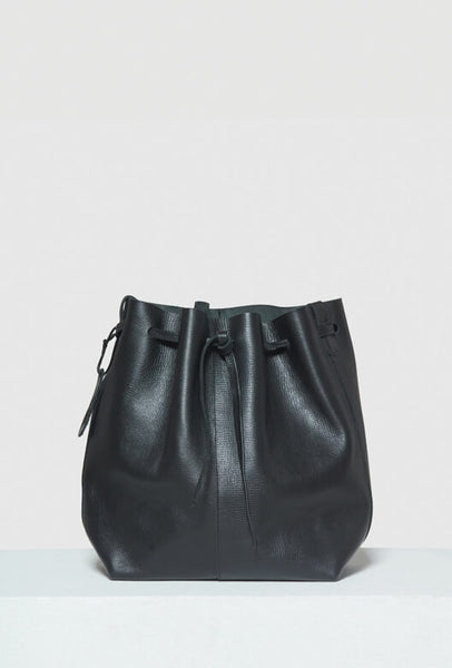 Big bucket bag in black leather