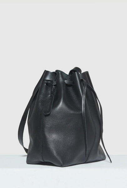 Big bucket bag in black leather sideshot