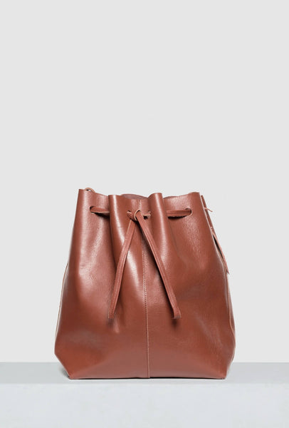 Big bucket bag in brown leather