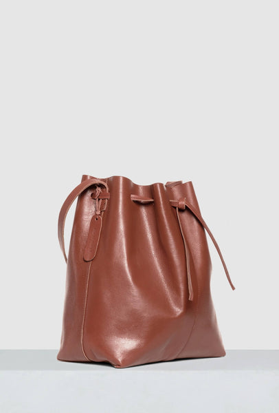 Big bucket bag in brown leather sideshot