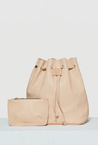Beige leather bucket bag with purse