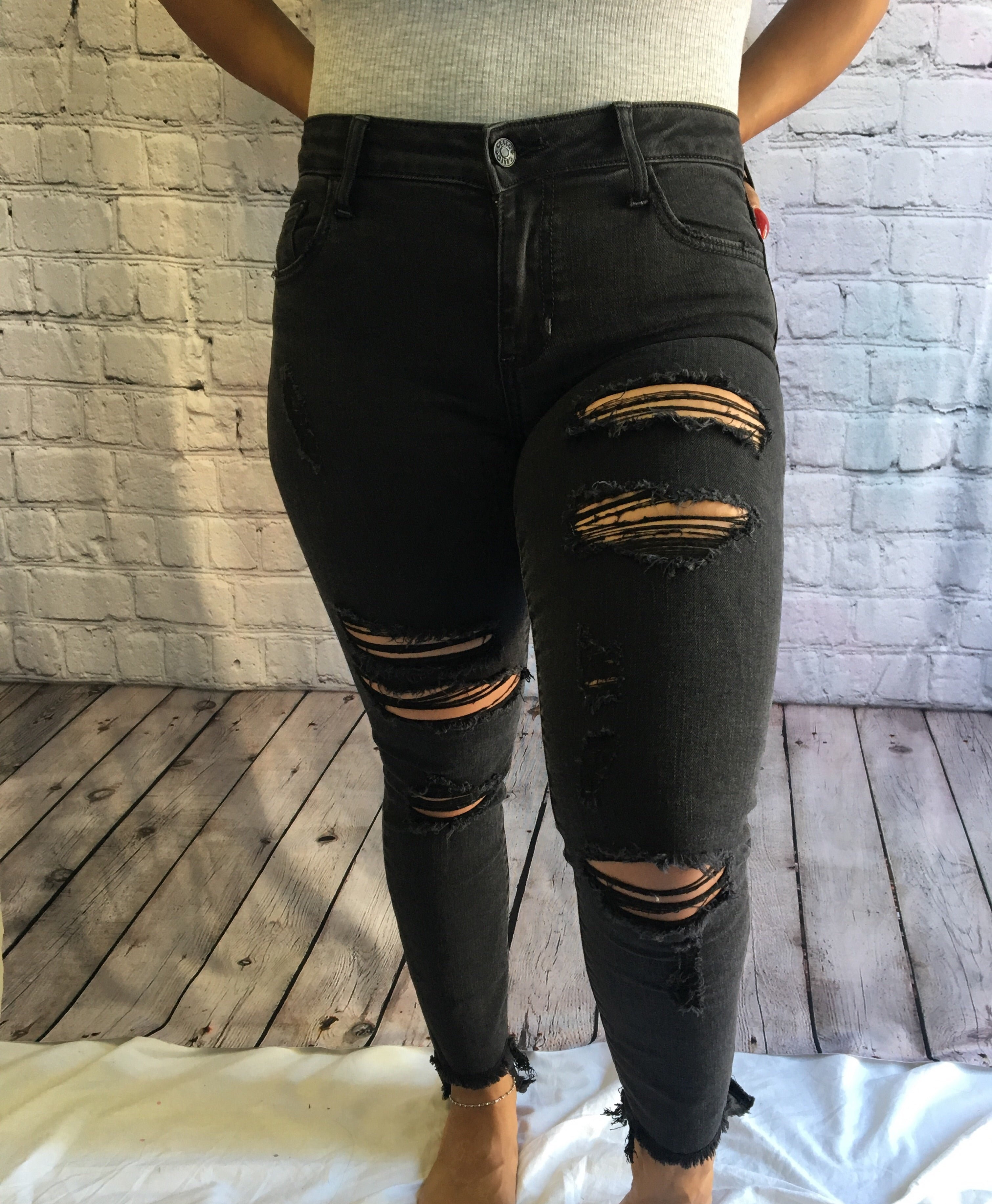 Penelope Distressed Jeans