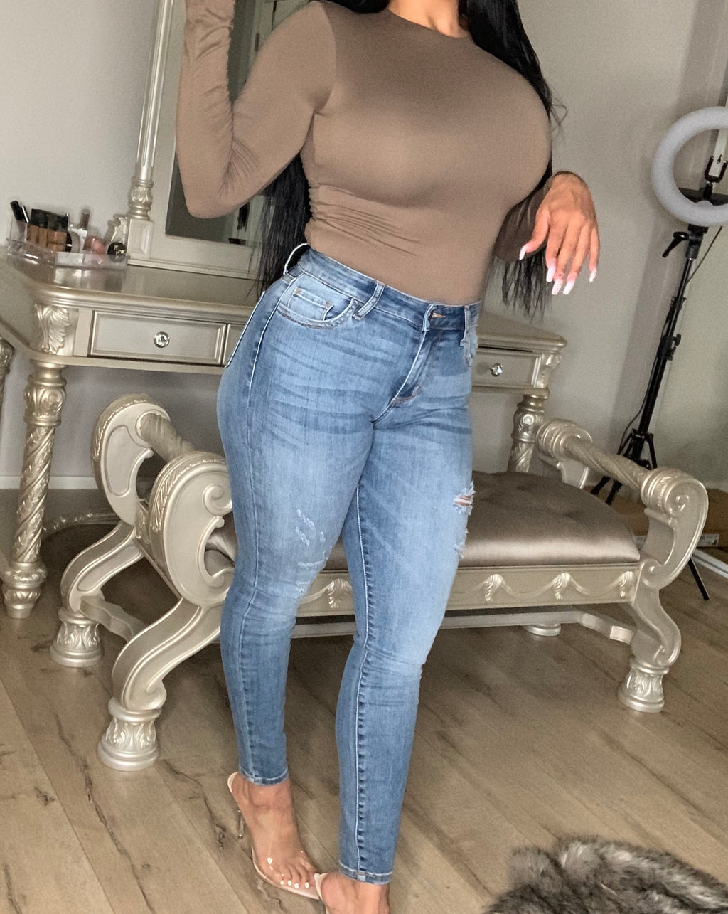 Sabrina Distressed Cropped Jeans