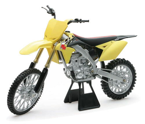 1/6 Suzuki RM-Z450 Dirt Bike (2014) for $41.95 at NE Cycle Shop