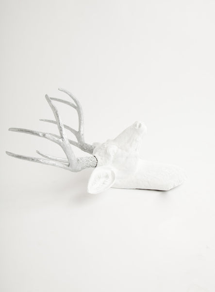 The Frankfurt | Faux Stag Deer Head | White w/ Silver Antlers