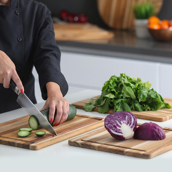 Essential Cutting Board w/Juice Canal 405