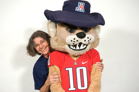 Owner of CasaSenor, Molly Senor, and Wilbur from the U of A