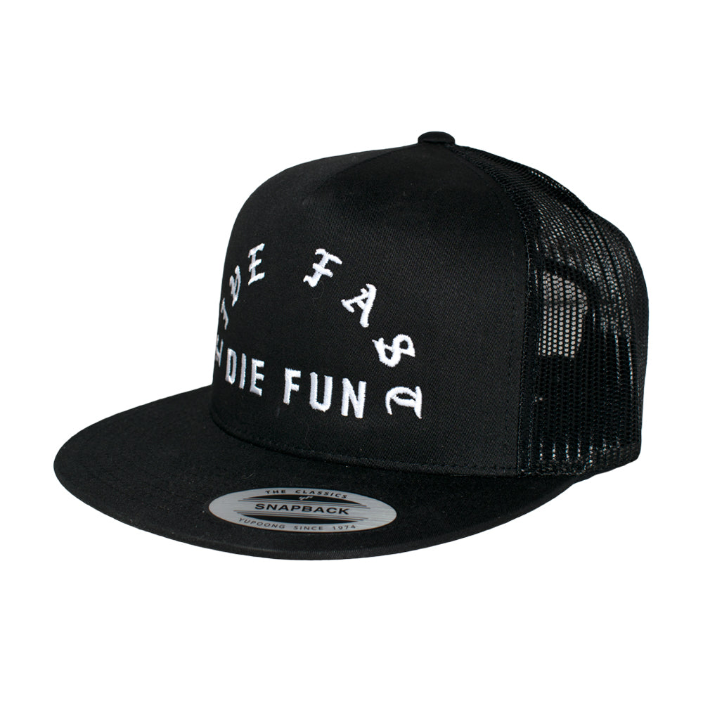 Famous Stars and Straps Live Fast Die Fun Trucker/Snapback FA035 Black Sort