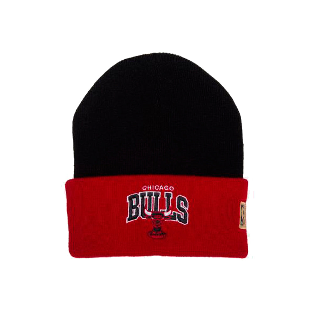 Mitchell & Ness Chicago Bulls Team Logo Arch Knit Beanie Black Red
