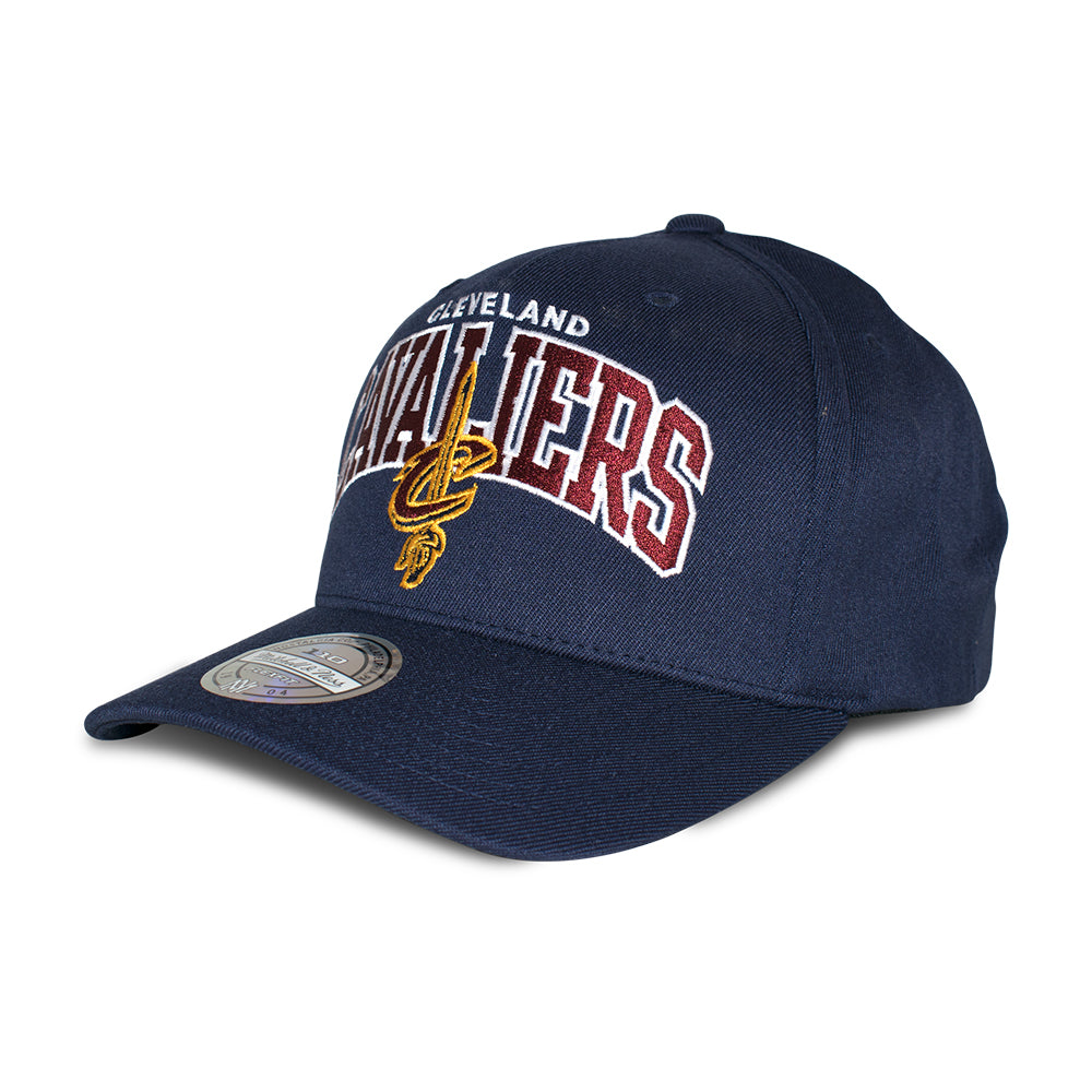 Mitchell & Ness Cleveland Cavaliers Team Arch Pinch Panel 110 Snapback Navy