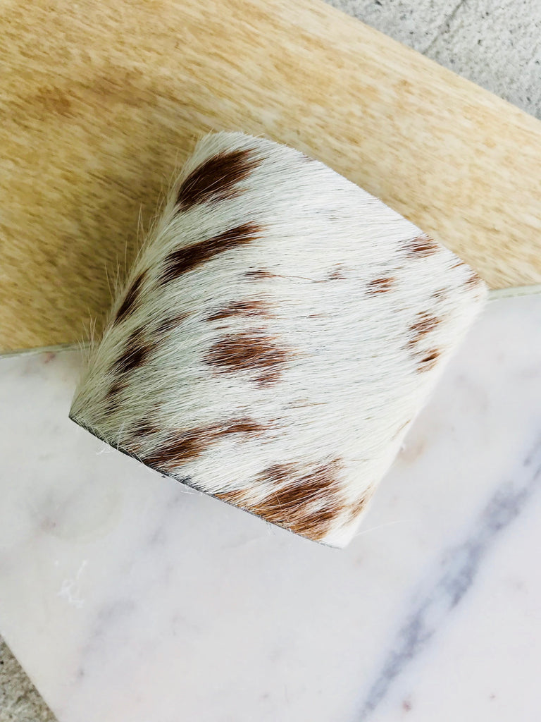 BROWN SPOTTED COWHIDE CUFF