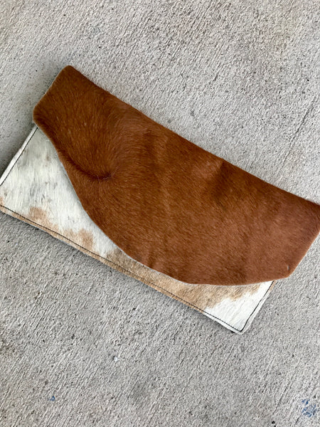 SOFT TONE COWHIDE CLUTCH