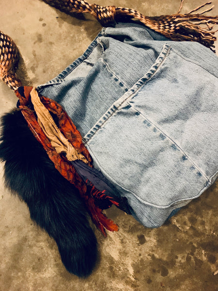 OVERSIZED DENIM HOBO - LIGHT WASH