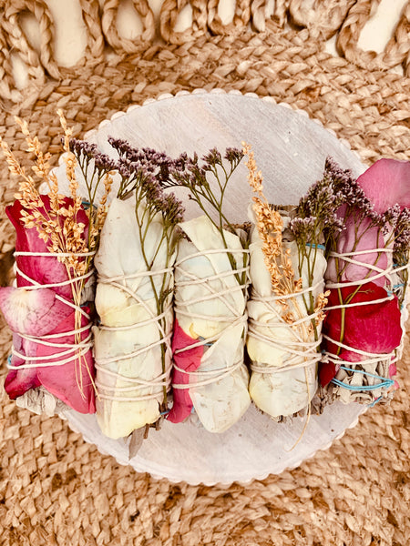 ASSORTED WHITE SAGE BOUQUET