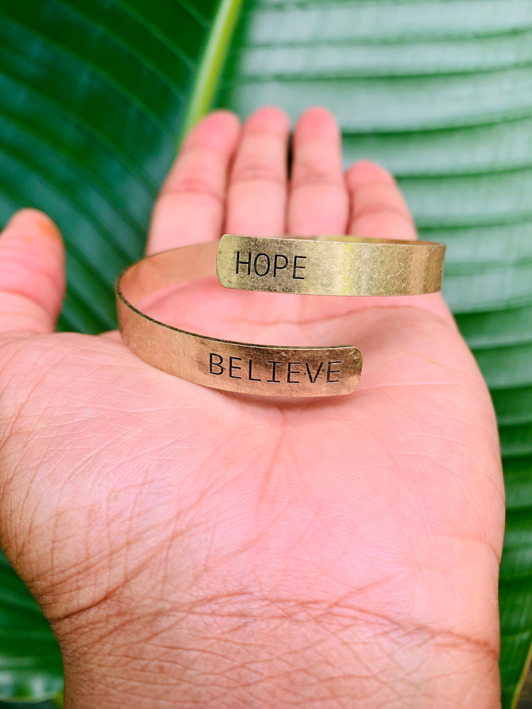 SENTIMENT BRACELET - HOPE / BELIEVE