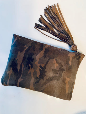 LEATHER CAMO CLUTCH