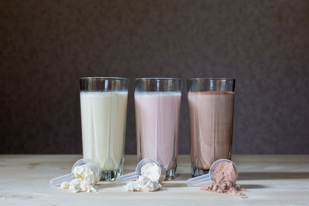 8 Pros and Cons of meal replacement and protein shakes