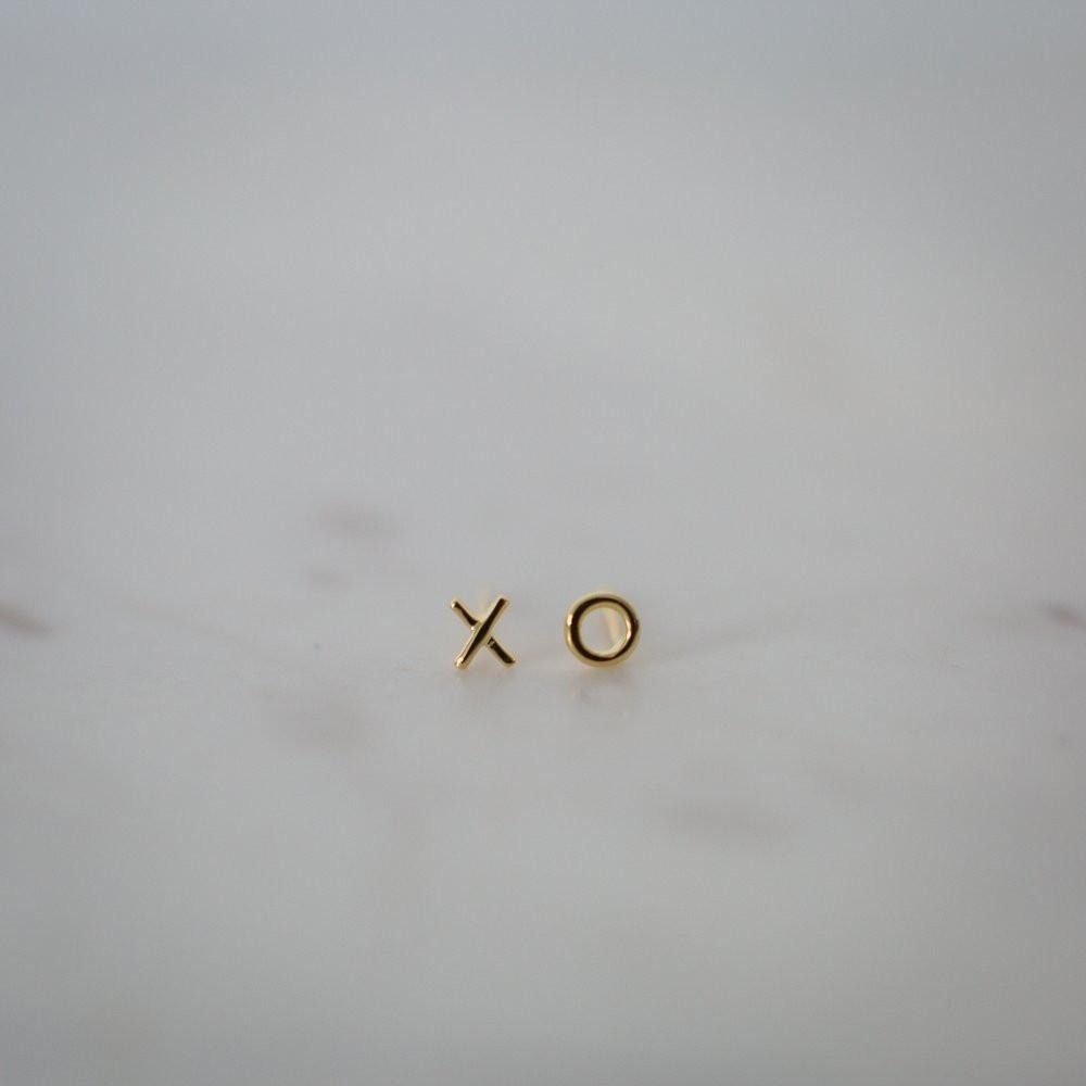 XO Earrings Gold by Sophiestore