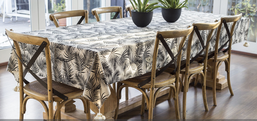 Tablecloth – Palm Raven Medium 150 x 260 cm