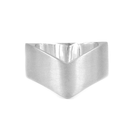 WIDE BAND CHEVRON RING