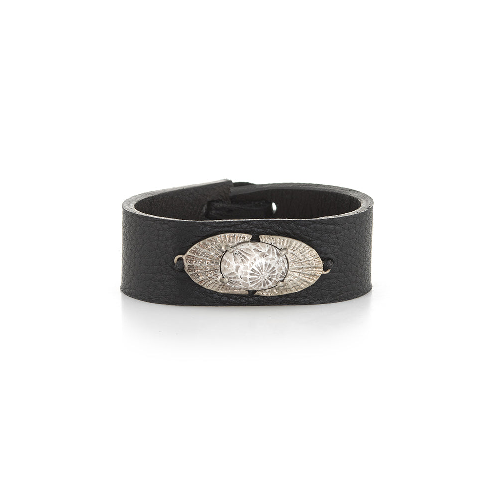 DECO SHELL NAVETTE LEATHER BRACELET