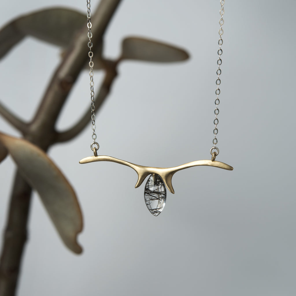 DOUBLE ANTLER NECKLACE
