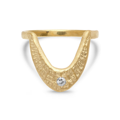 DECO SHELL HORSESHOE RING - GOLD VERMEIL