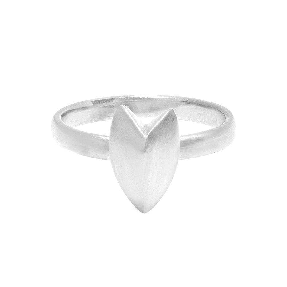 KNIFE EDGE HEART STACKING RING