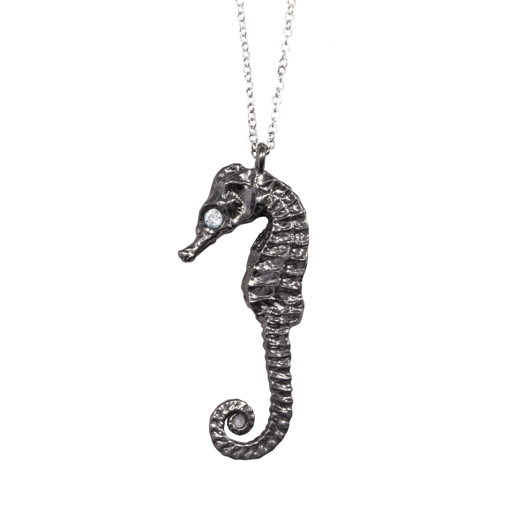 SEAHORSE NECKLACE WITH DIAMOND EYE