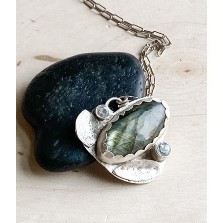 Bud Pendant ~ Sterling Silver Labradorite and White Topaz - Aprilierre