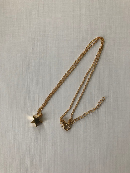 Mia Star Necklace - Gold