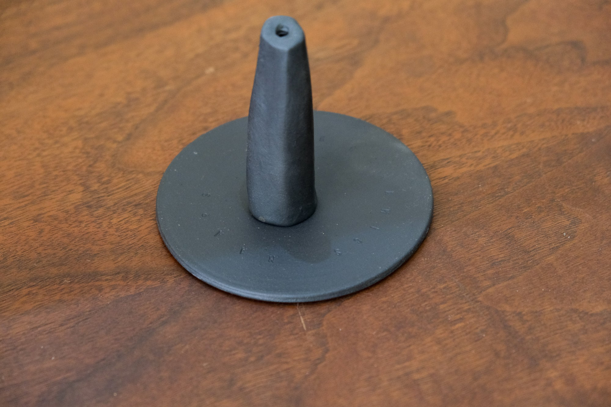 Maaps Monolith Incense Holder in Black