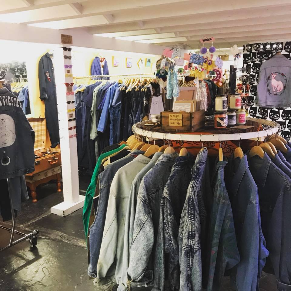 2019 year looks- How to buy clothing vintage