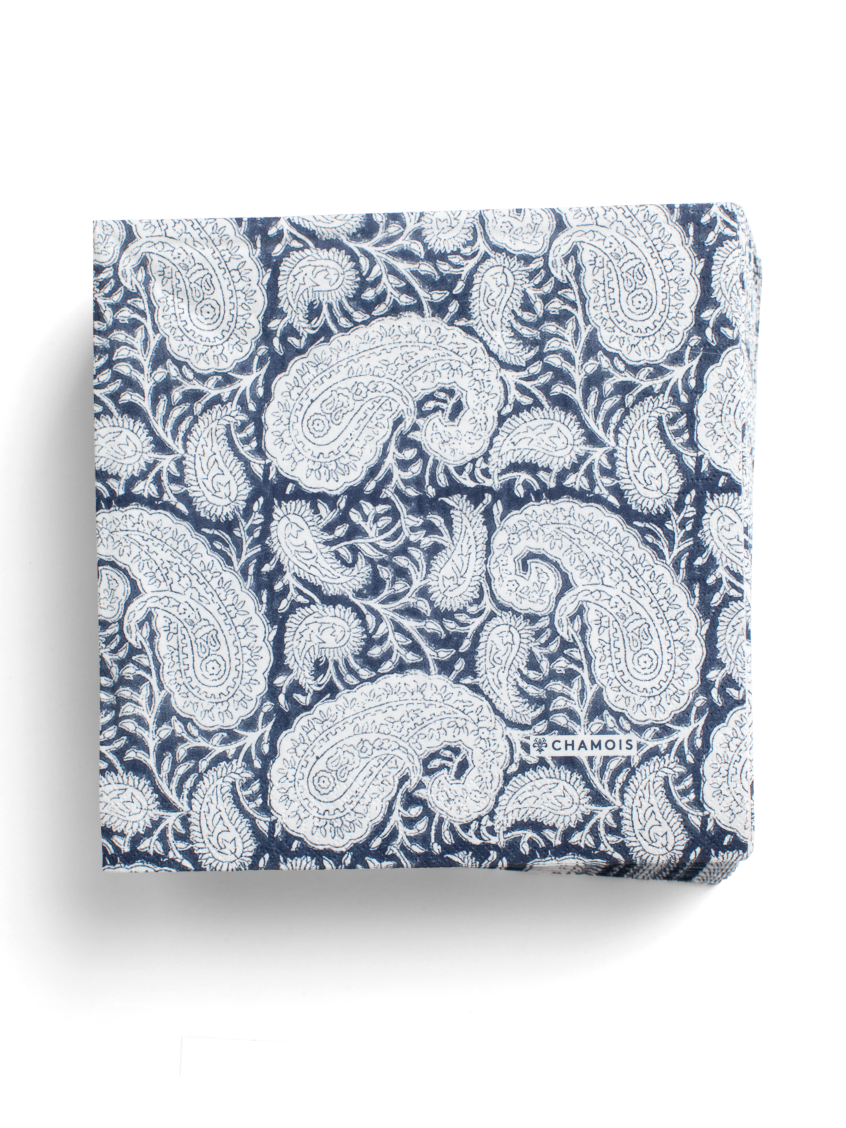 Paper Napkins Big Paisley® in Navy Blue