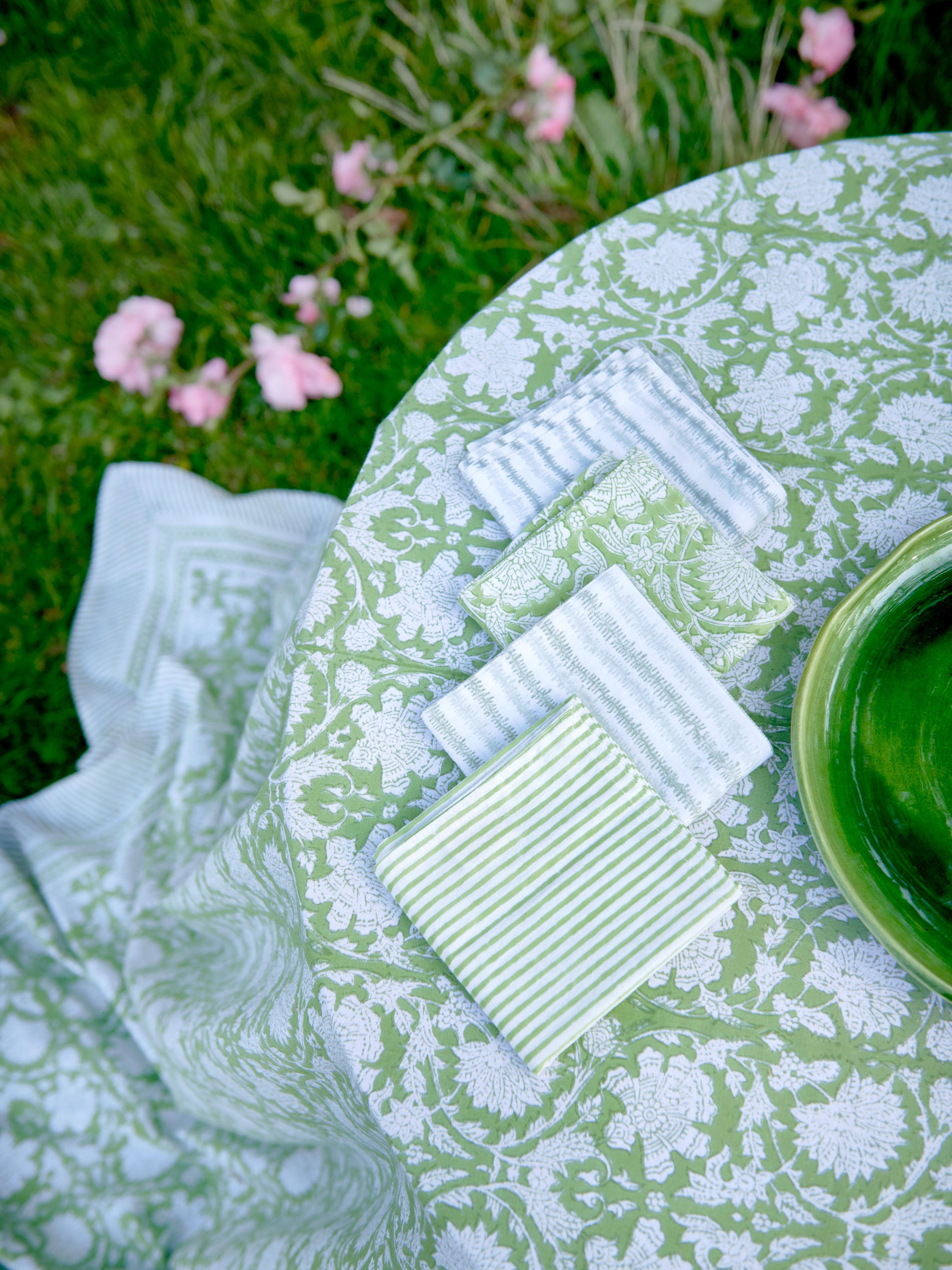 Paradise Tablecloth in Green