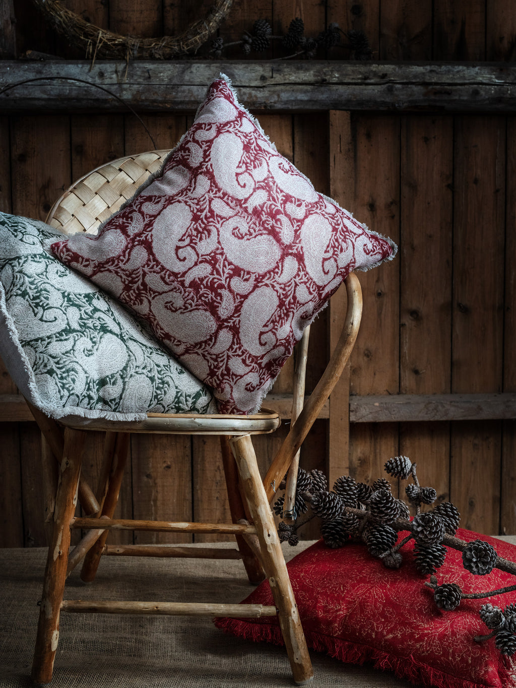 Linen cushion with Big Paisley® print in Red