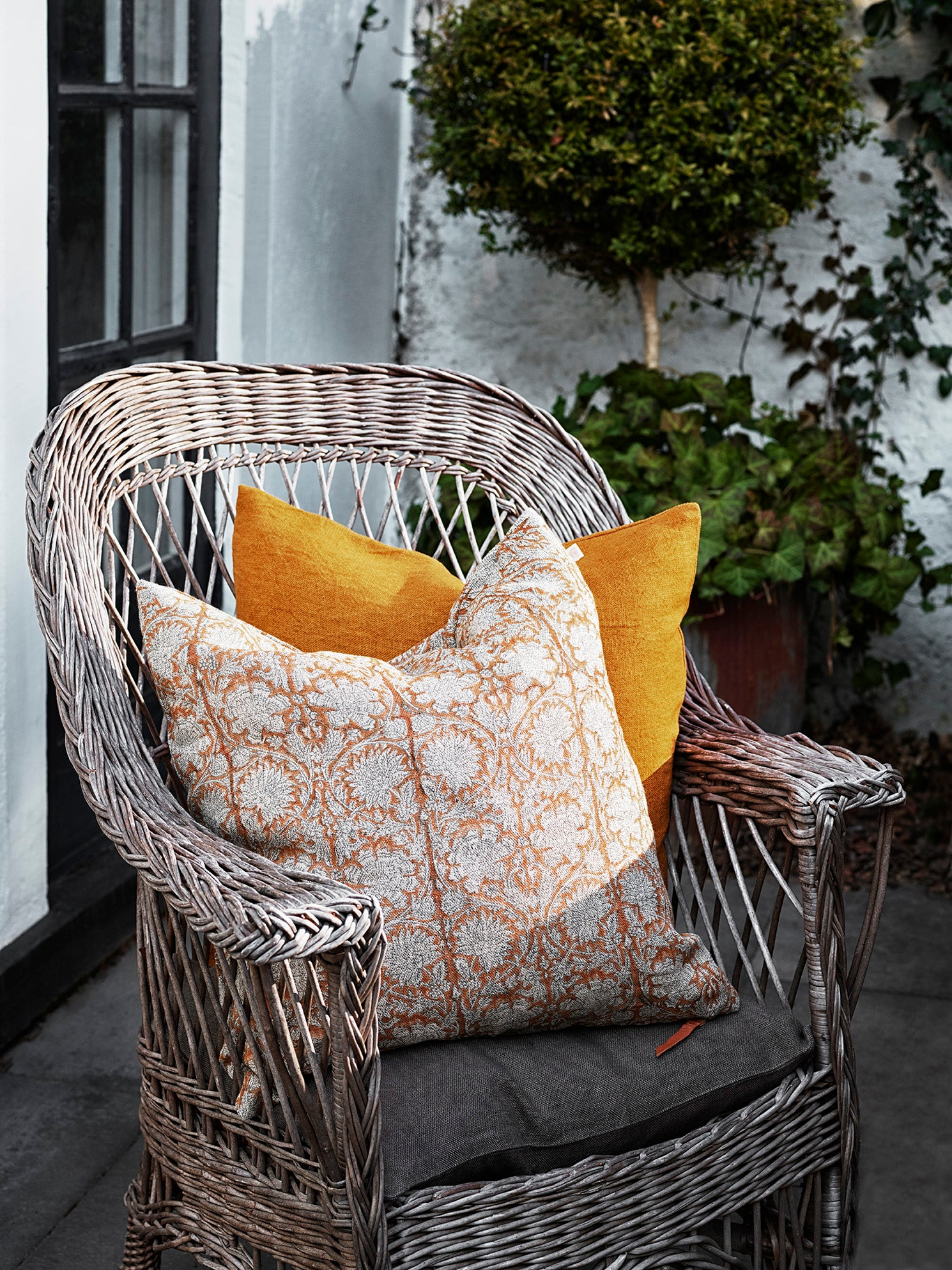 Paradise linen cushion in Ochre