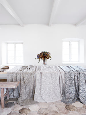 Linen tablecloth with Leaf print