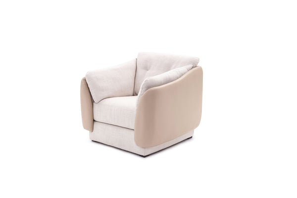 Giovanni's Shell Armchair in Fabric & Leather