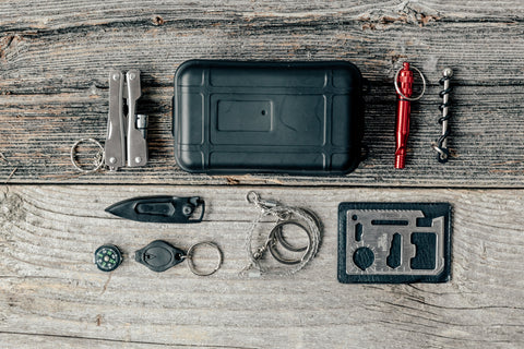 Tips To Pick The Best SURVIVAL GEAR & High-Quality Survival Tools