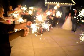 Lighting_a_sparkler_of_unity