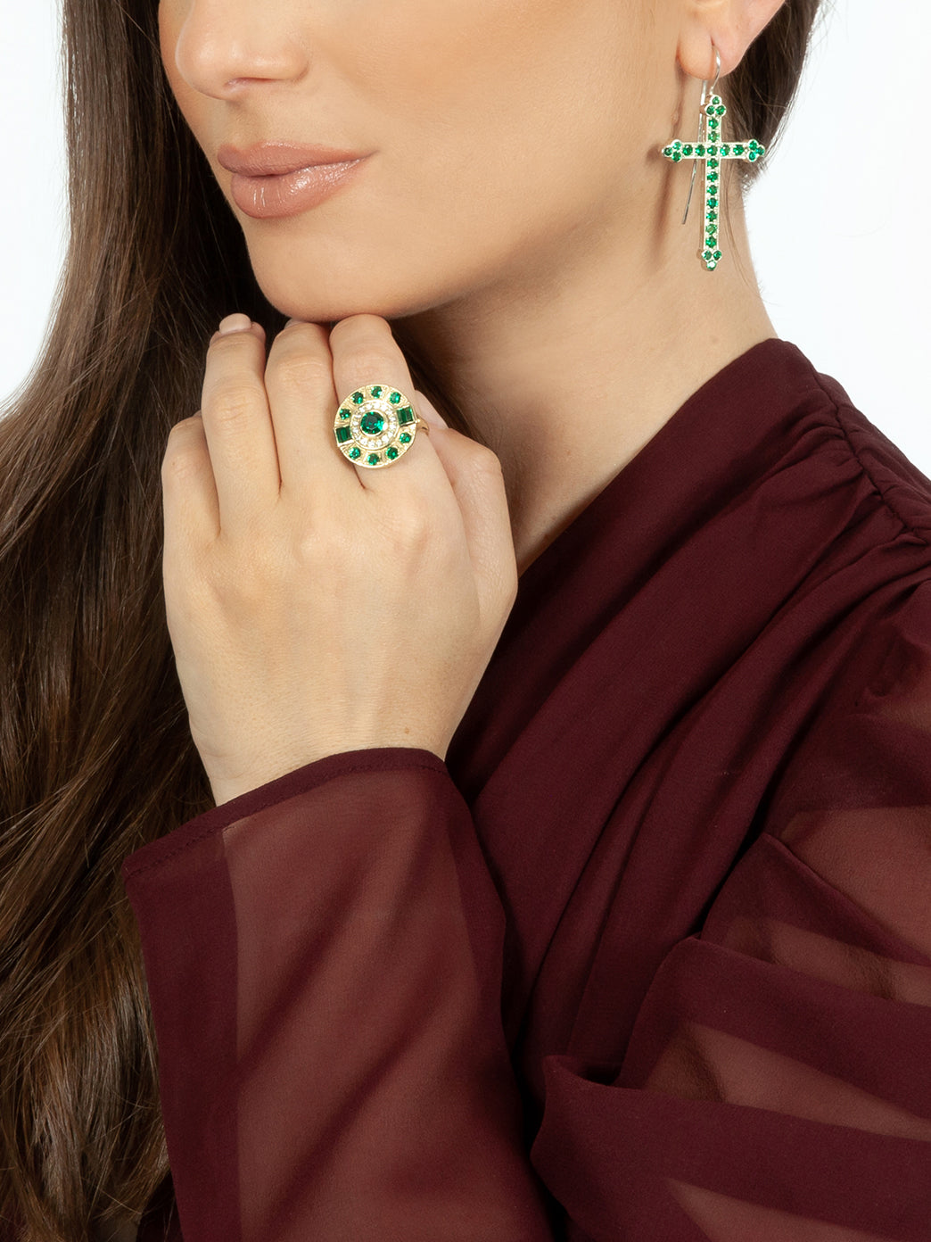 Fiorina Jewellery Aztec Ring Emerald Model