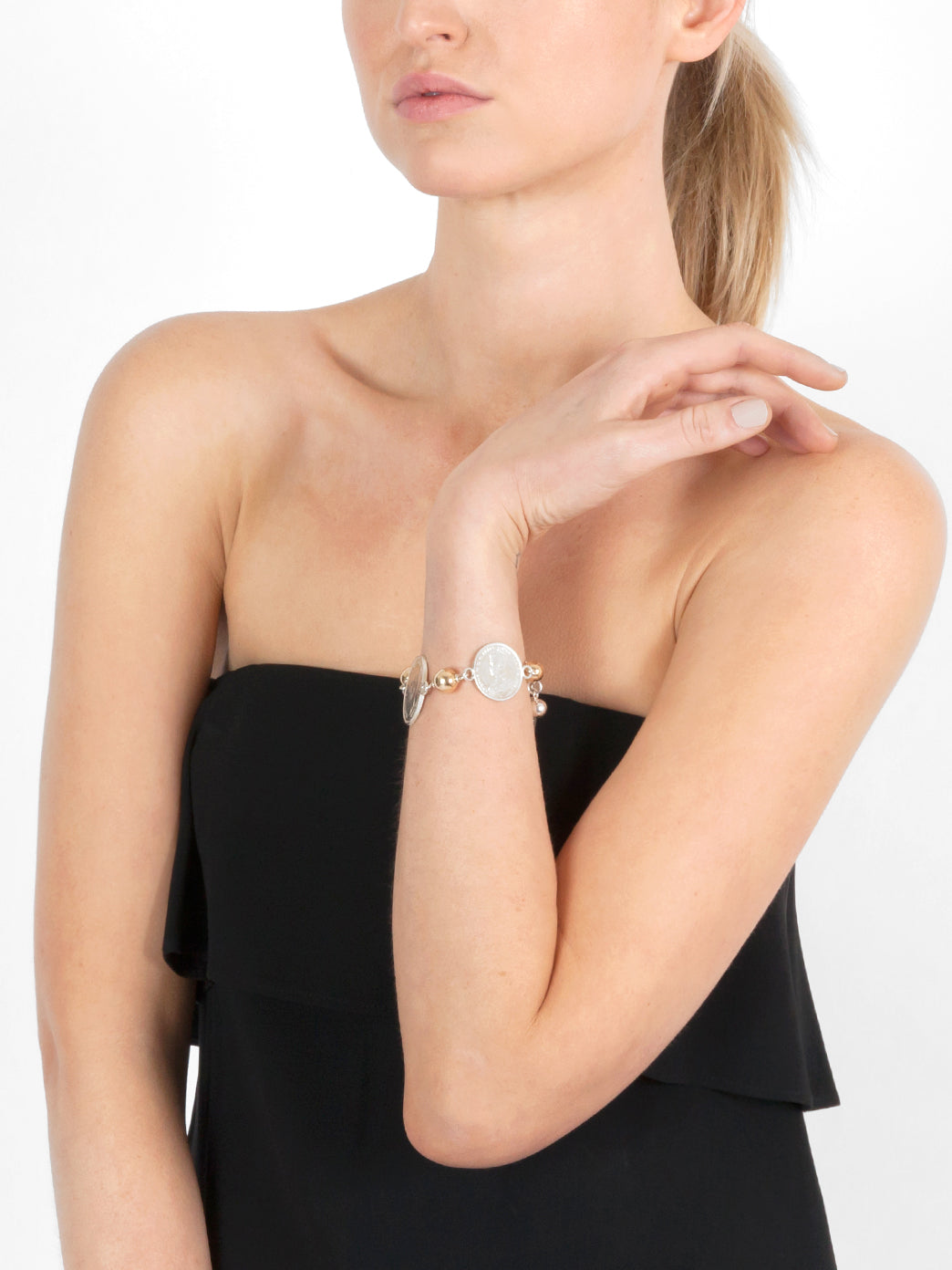 Fiorina Jewellery Poly Bracelet Model